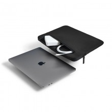 "Incase Compact Sleeve in Flight Nylon - Pokrowiec MacBook Pro 13"" (M1/2020-2016) / MacBook Air 13"" (M1/2020-2018) (czarny)"